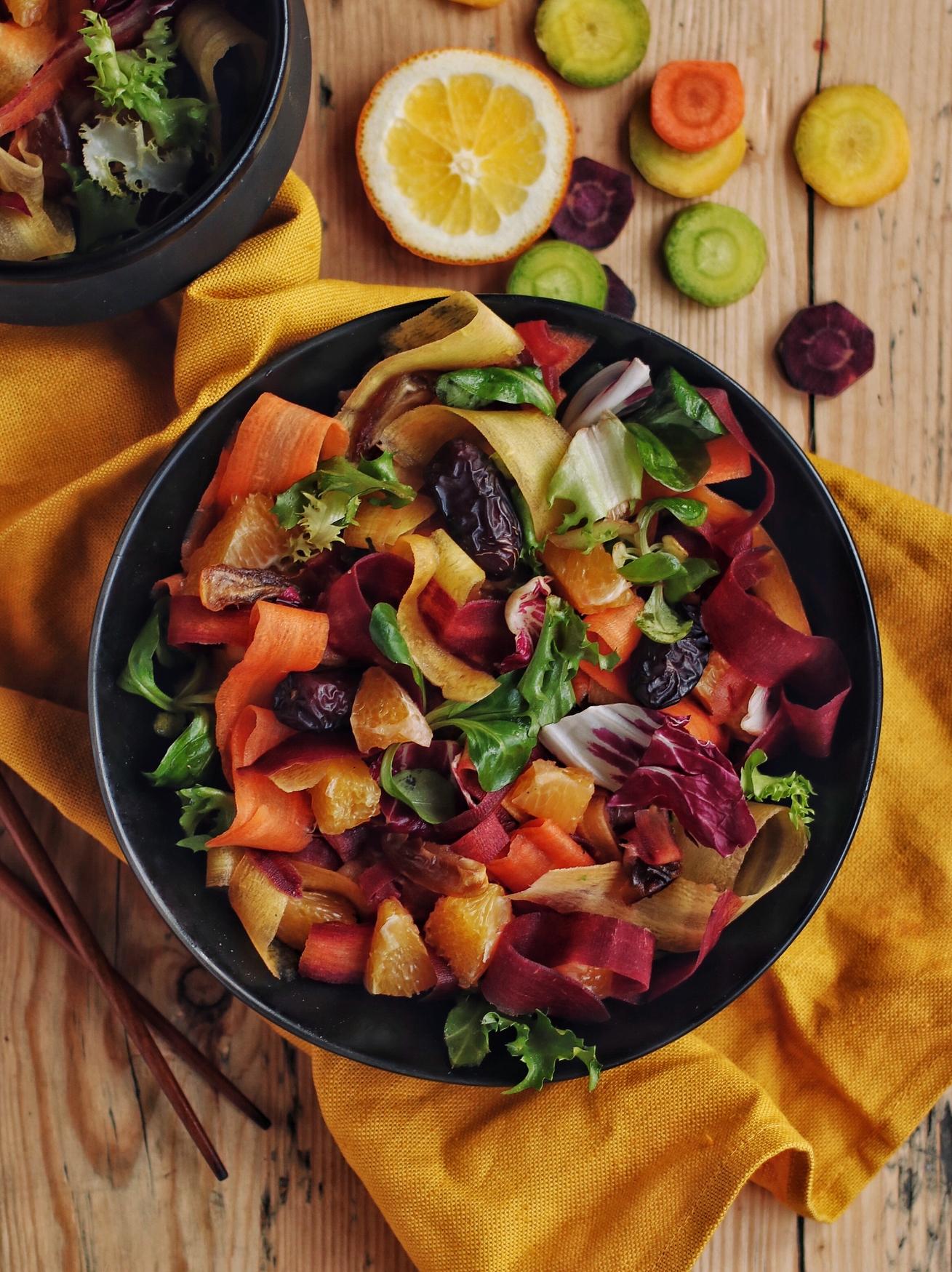 burkānu un dateļu salāti
