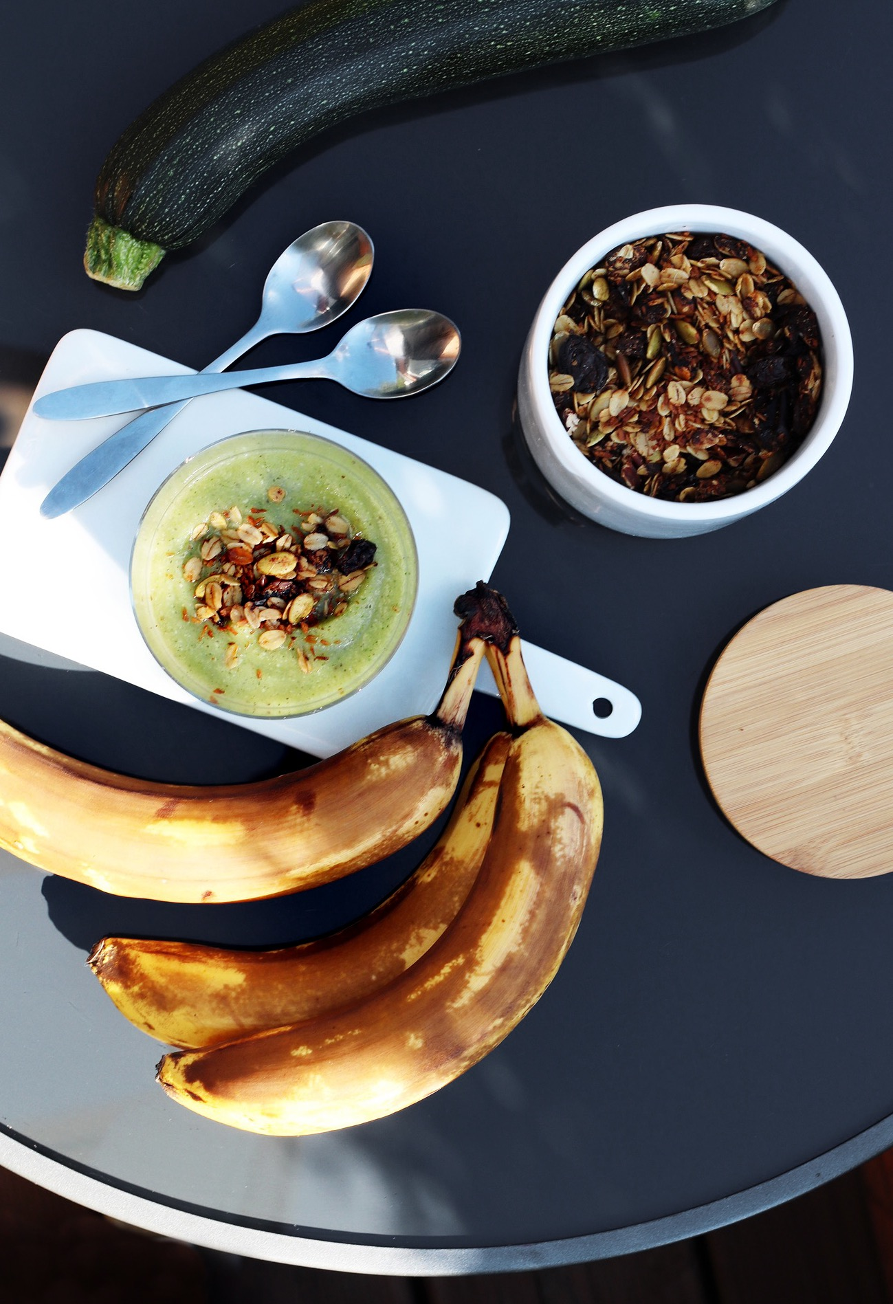 Cukini un banānu biezenis